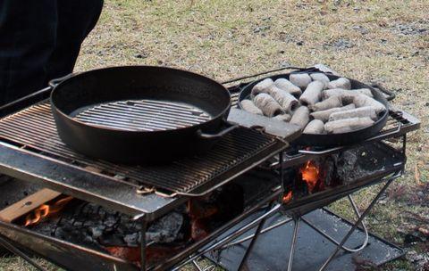 ダッチオーブンを予熱