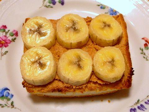 ピーナッツバターとバナナのトースト