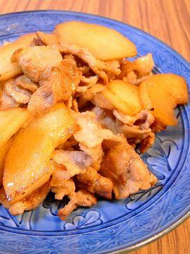 モーウィと豚ばら肉の炒め物