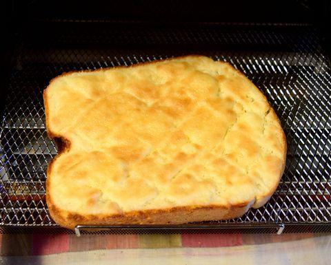 きれいに焼けたメロンパントースト