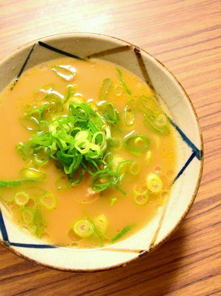 ラーメン化ご飯のとんこつ醤油ラーメン風