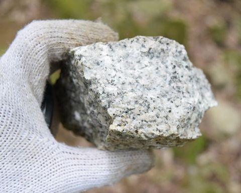花崗岩の断面