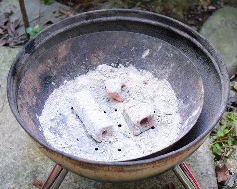 炭火のごく弱火