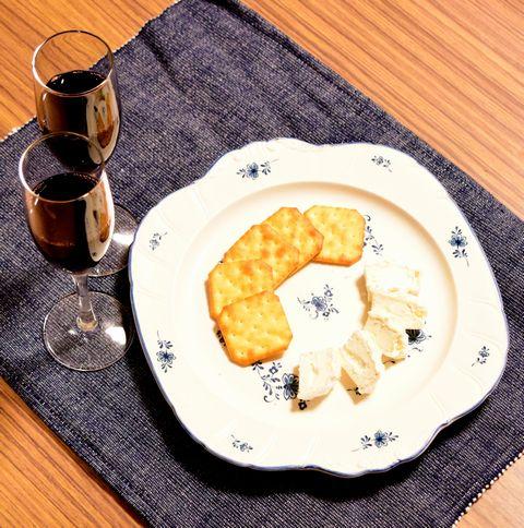 自家製白カビチーズとボジョレーヌーボー