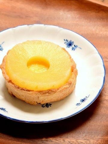 ベイクドチーズケーキのパイン乗せ