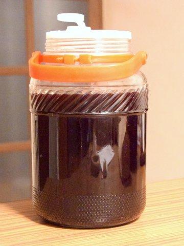 梅酒用の瓶でワインを仕込む