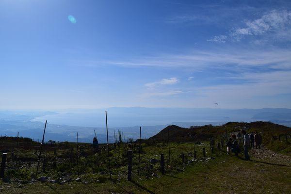 伊吹山頂より琵琶湖を望む