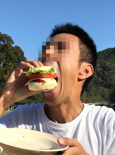 オトコ中村ハンバーグを食らう