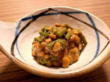 ワラビ納豆