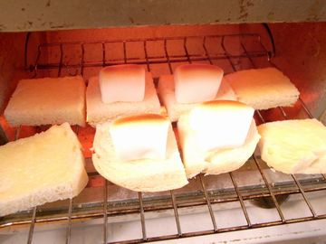 リッツとマシュマロを焼く