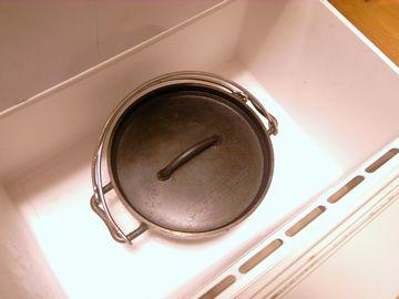 ダッチオーブンをキンキンに冷やす