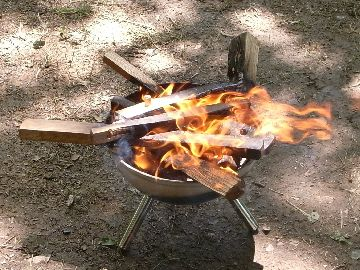火が落ち着いてきた