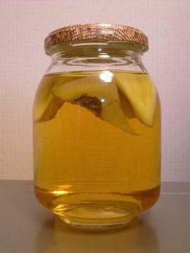 リンゴで酵母を起こす
