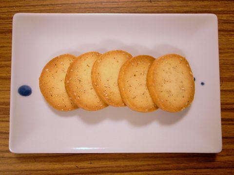 オーブンで焼いた酒かすクッキー