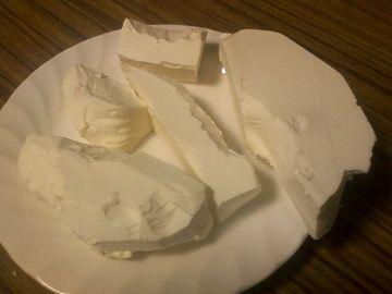 カビを取り除いたチーズ