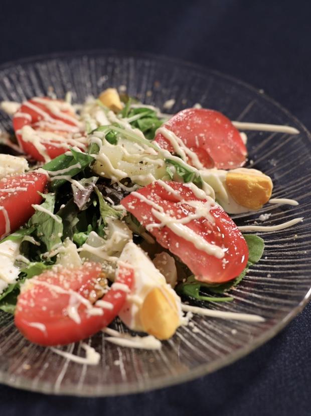 塩卵を使った野菜サラダ