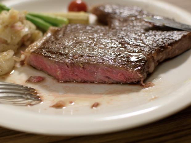 低温調理ステーキの断面