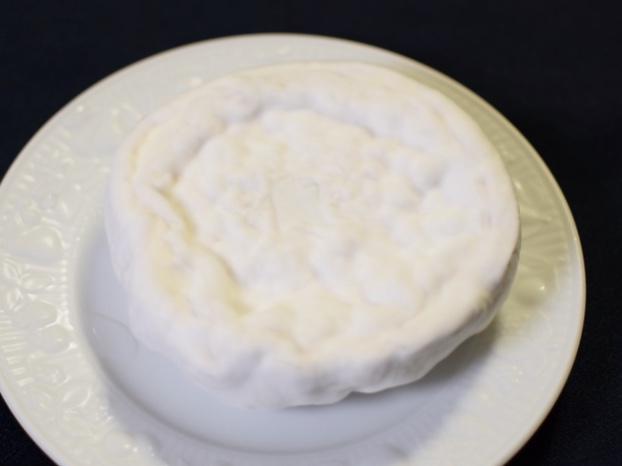 4週間熟成させたカマンベールチーズ