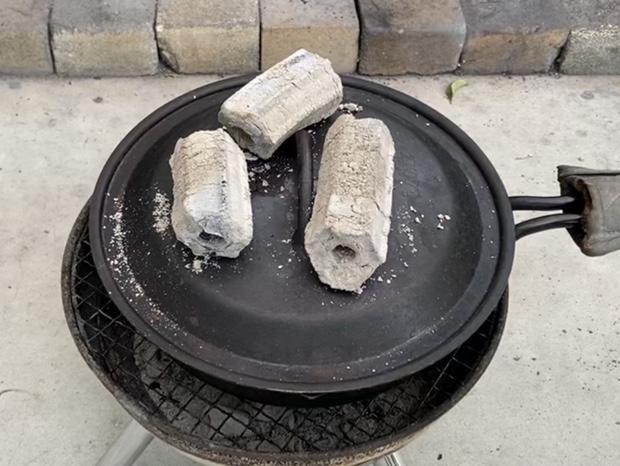 スキレットでタルト生地を10分焼いたところ