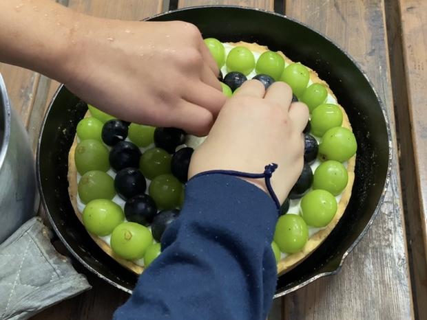 ブドウをどんどん並べる