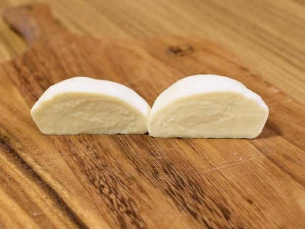 モッツァレラチーズの断面