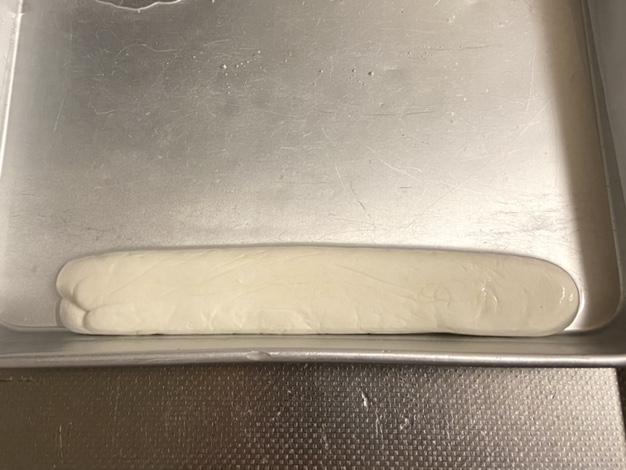 チーズを15%の塩水に漬ける