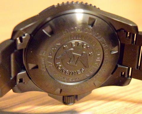 時計の裏側