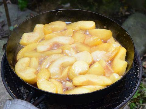 1時間煮たりんご
