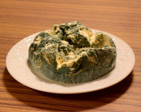 青カビが元気に育ったチーズ