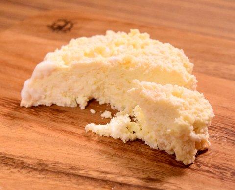 1ヶ月熟成させた米麹チーズ