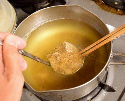 醤油粕を出し汁で溶いてみる