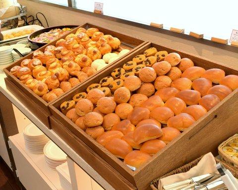 ビュッフェのパン