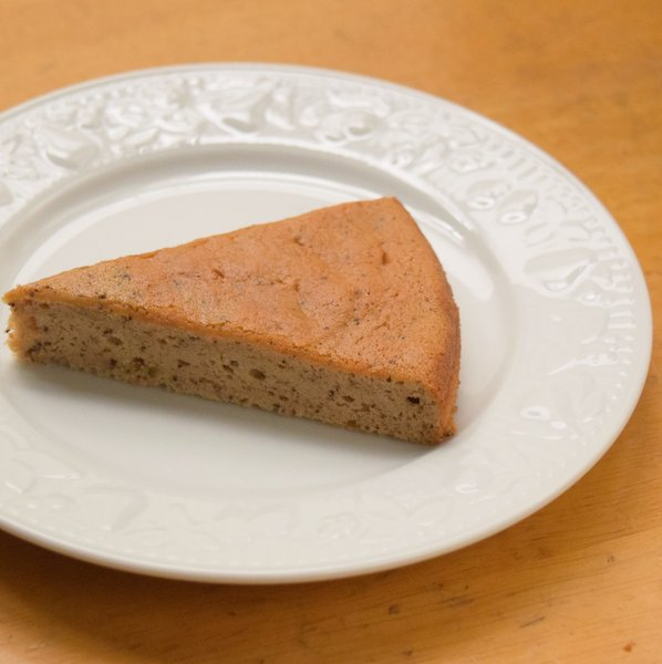 松ぼっくりと紅茶のシフォンケーキ