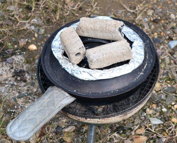スキレットでカボチャを蒸し焼きにする