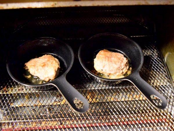 プチスキレットで焼いたハンバーグ