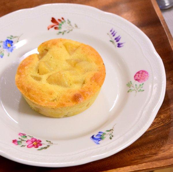 プチスキレットで焼いたリンゴのケーキ