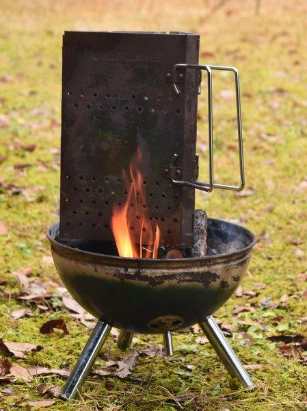 チャコスタで炭火を熾す