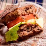 バンズなしハンバーガーがウマすぎ!おまけに低糖質だからダイエットにも最適!