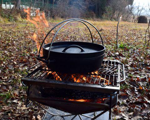 ダッチオーブンをプレヒート
