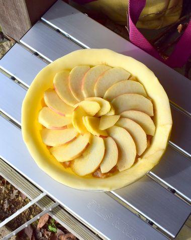 焼いたら完成のアップルパイ