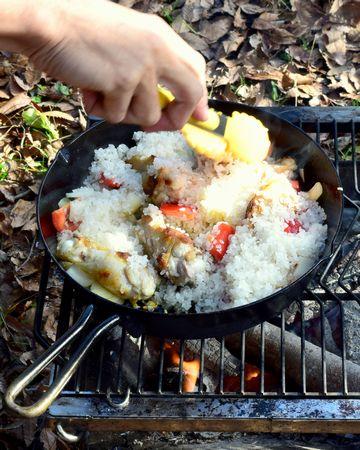 米を入れ炒める