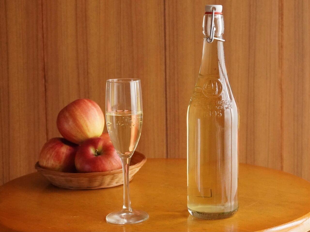 手作りしたりんご酢