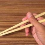 南天の木で箸を作る