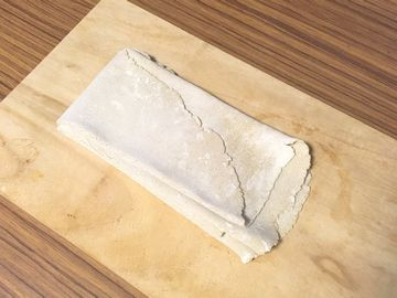 麺を折りたたむ