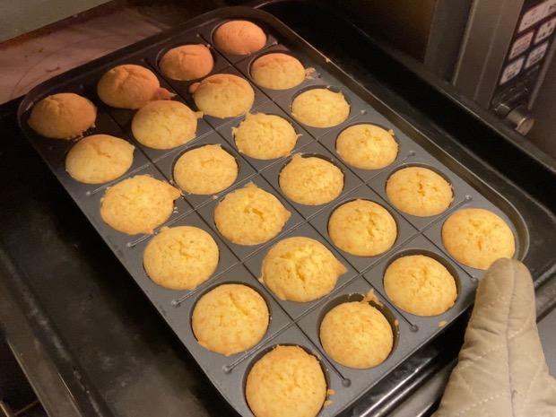 オーブンで焼いたプチケーキ