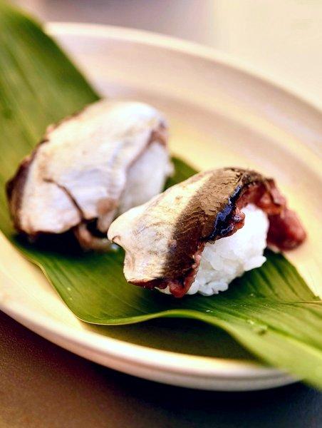 シュールストレミングの握り寿司